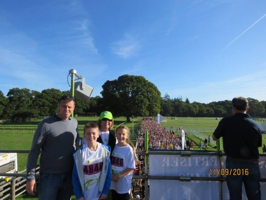 Scott with Trish and the kids before their 5k run
